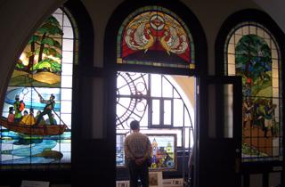 ステンドグラス 横浜開港記念館 修復
